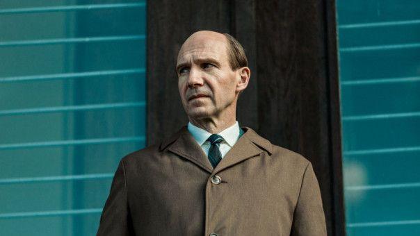 Alexander Puschkin (Ralph Fiennes) sorgt sich um seinen Schützling Rudolf Nurejew.