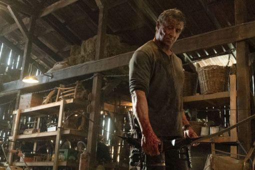 In der Hand von John Rambo (Sylvester Stallone) ist der Bogen eine tödliche Waffe.