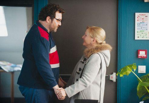 Mit seiner Mutter Hélène (Odile Debord) arbeitet François (Denis Ménochet) daran, den Opfern des pädophilen Priesters eine Stimme zu geben.