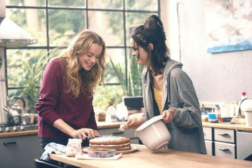 Jessica (Luna Wedler, links) und Tine (Luise Befort) brauchen beide Danny - aus unterschiedlichen Gründen.