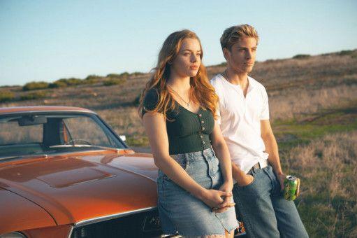 Danny (Jannik Schümann) und Jessica (Luna Wedler) brechen zu einem Roadtrip in die USA auf - der übrigens in Portugal gedreht wurde.