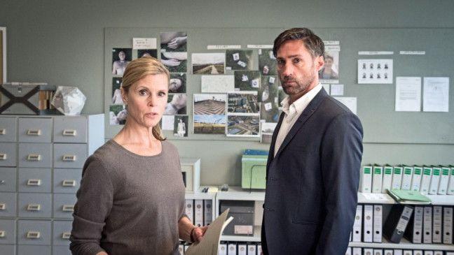 Falsches Spiel: Kommissar Brenner (Benjamin Sadler) täuscht seine Chefin.