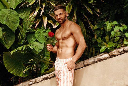 """Rafi ist Kandidat bei """"Bachelor in Paradise"""", hat sich nun aber als schwul geoutet."""
