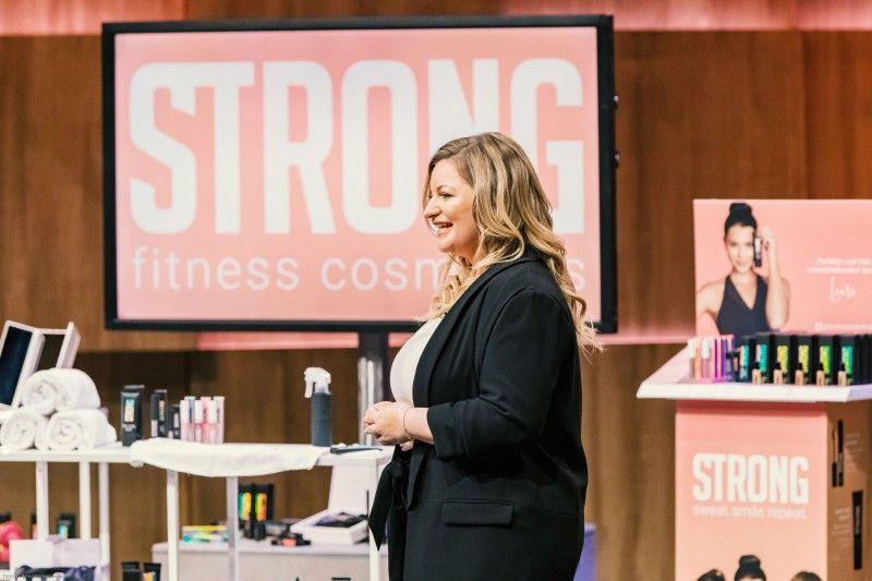 """<b>Folge 6:</b> Schminken trotz Schwitzen, wer kennt es nicht, das Problem? Jennifer Lapidakis entwickelte dafür  """"STRONG Fitness Cosmetics"""", die als einzige Kosmetiklinie in Deutschland tatsächlich wisch-, wasser- und schweißfest sein soll."""
