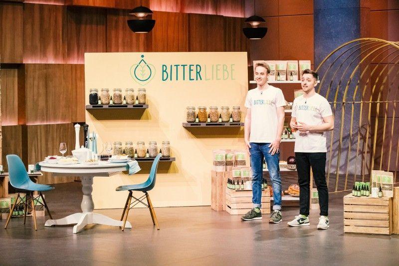 """<b>Folge 6:</b> Durch Industrialisierung sind Bitterstoffe weitgehend aus den Nahrungsmitteln verschwunden. Dem wollen die Gründer von """"BitterLiebe"""" entgegenwirken, denn Bitterstoffe sind laut Andre Sierek und Jan Stratmann eine Wohltat für den Körper."""