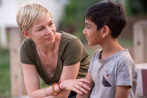 Isabel (Michelle Williams) und ihr geliebtes, indisches Ziehkind Jai (Vir Pachisia) sind ein Herz und eine Seele.