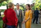 Theresa (Julianne Moore, rechts) stellt Isabel (Michelle Williams) und Oscar (Billy Crudup) einander vor, doch die beiden kennen sich bereits von früher.