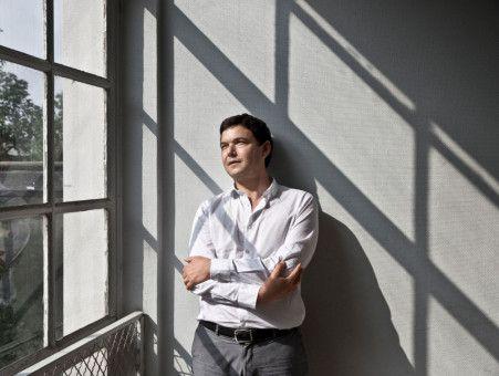 """Der französische Autor Thomas Piketty erforscht in seinem Sachbuch """"Das Kapital im 21. Jahrhundert"""" die Zusammenhänge zwischen Geld und Gesellschaft."""