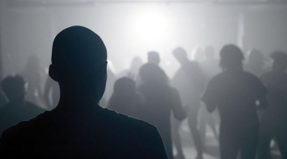 """Schlachthäuser, Porno-Szenen und Techno-Clubs: """"Nevrland"""" trifft mitten in die Eingeweide."""
