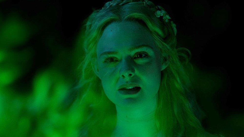 Prinzessin Aurora (Elle Fanning) ist über das aufbrausende Verhalten von Maleficent enttäuscht.