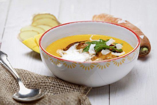 Spritzige Mango-Karotten-Suppe mit fairer Note