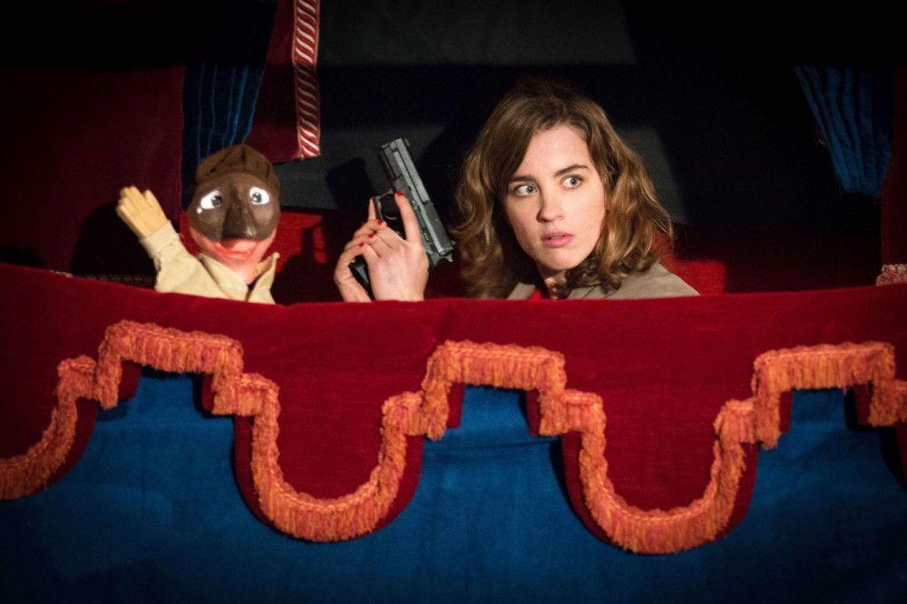 Ein vom Kollegen Louis inszenierter Polizeieinsatz auf dem Jahrmarkt öffnet Yvonne (Adèle Haenel) die Augen für seine Gefühle.