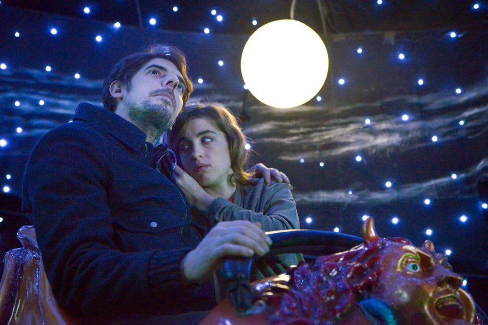 Gibt es für Yvonne (Adèle Haenel) ein gemeinsames Glück mit ihrem Kollegen Louis (Damien Bonard) - oder verhindert Antoine es?
