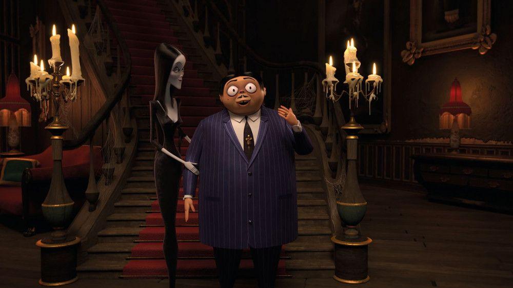 Morticia und ihr Ehemann Gomez Addams haben es sich in der alten Irrenanstalt gemütlich gemacht.