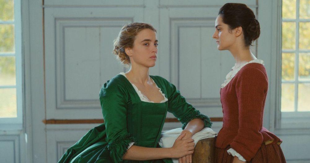 Marianne (Noémie Marchant, rechts) soll die junge Adelige Héloïse (Adèle Haenel) porträtieren.