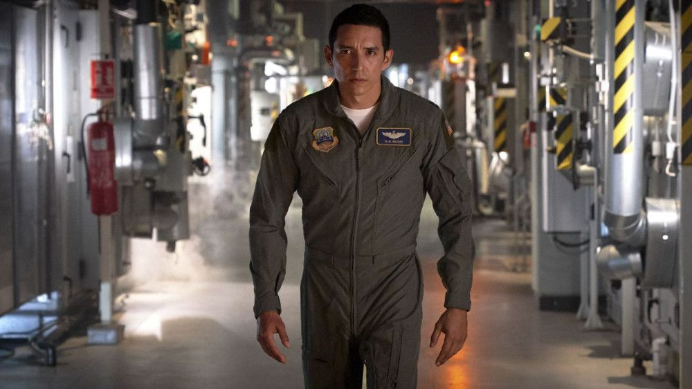 Der neue Terminator (Gabriel Luna) ist hinter Dani her.