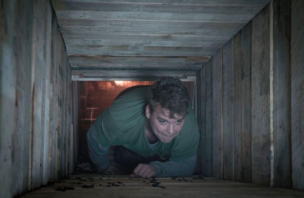 Krabbelt Evan (Andrew Caldwell) der Freiheit entgegen? Oder zurück ins Verderben?