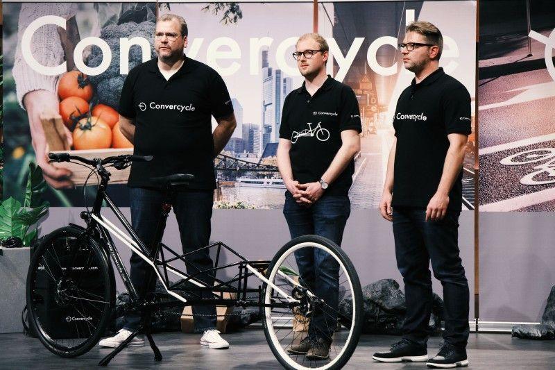 """<b>Folge 9:</b> David Maurer-Laube, Robert Kratz und Hubertus Osterwind haben """"Convercycle"""" entwickelt, das 2in1-Fahrradkonzept kombiniert ein Citybike mit einem Lastenfahrrad."""