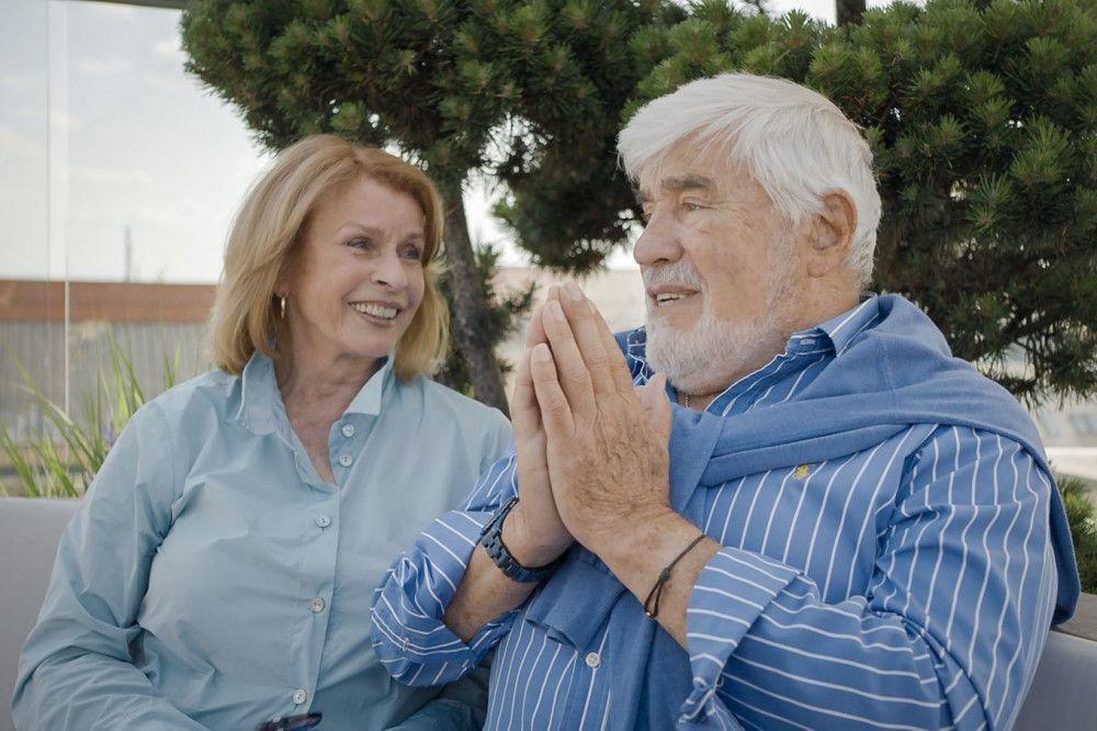 Senta Berger und Mario Adorf erinnern sich an gemeinsame Jahre.