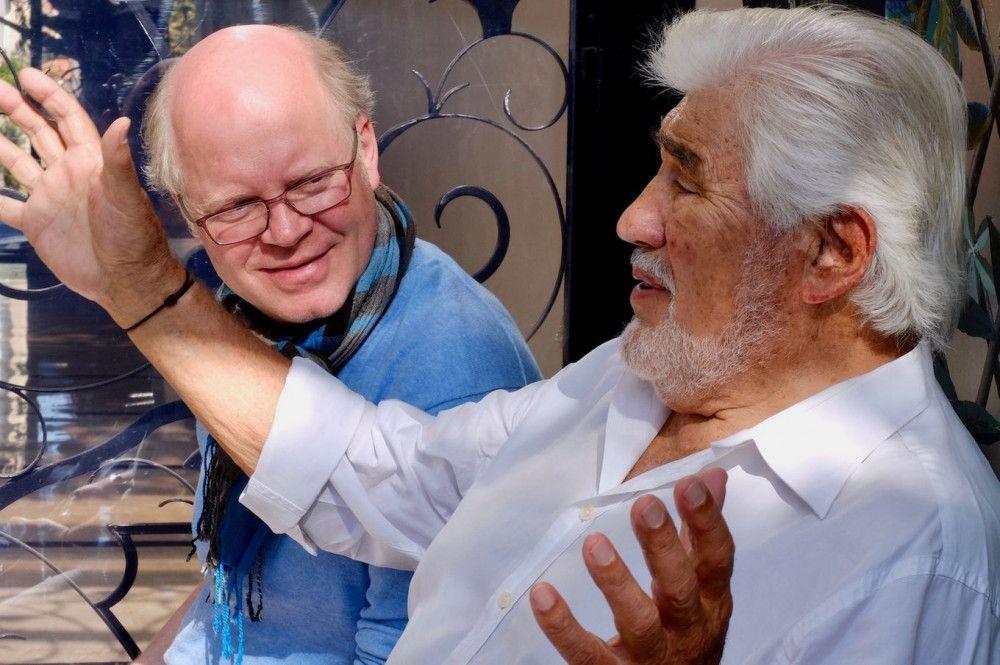 Regisseur Dominik Wessely (links) begleitete Mario Adorf auf einer Zeitreise durch sein Leben.