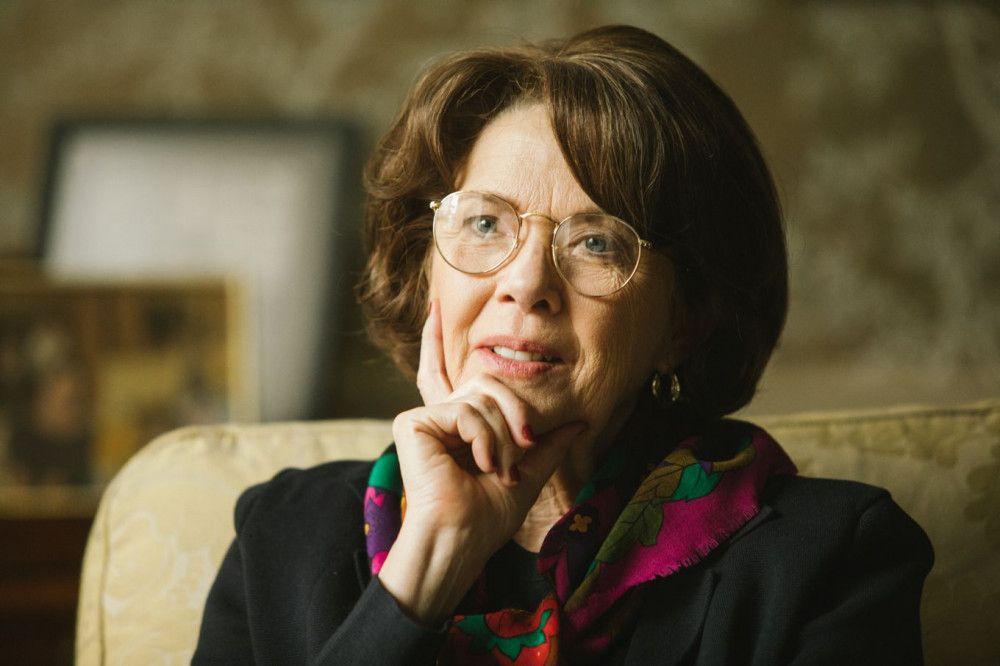 Senatorin Dianne Feinstein (Annette Bening) gibt Daniel Jones den Auftrag, einen Report über die Methoden der CIA zu verfassen.