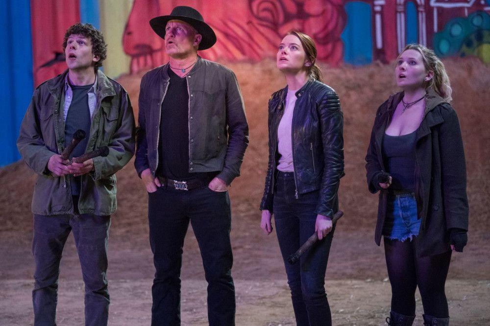 Columbus (Jesse Eisenberg), Tallahassee (Woody Harrelson), Wichita (Emma Stone) und Little Rock (Abigail Breslin, von links) kommen aus dem Staunen nicht mehr heraus.