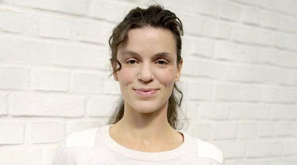 TESSA TEMME - Yoga-Expertin und Sportwissenschaftlerin: Tel. 0800/12 34 331*