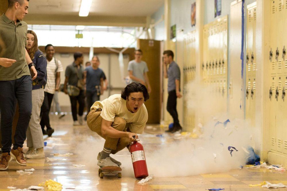 Tanner (Nico Hiraga) dreht am letzten Schultag so richtig durch.