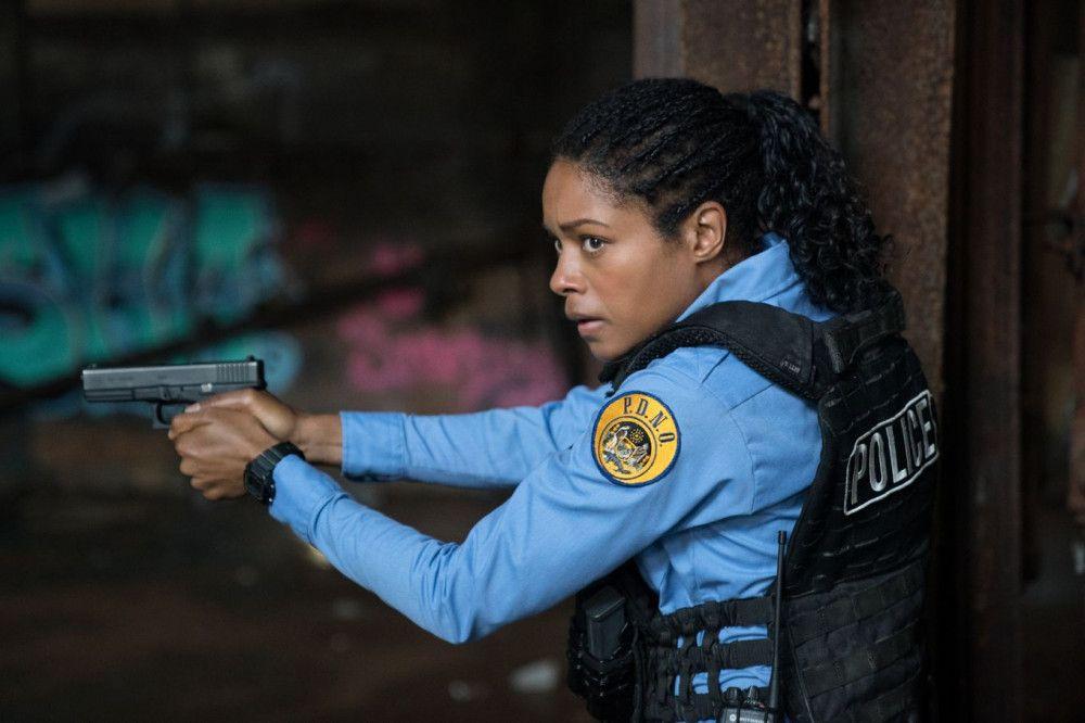 Polizistin Alicia West (Naomie Harris) ist auf der Flucht: Korrupte Kollegen sind hinter der Beamtin her.
