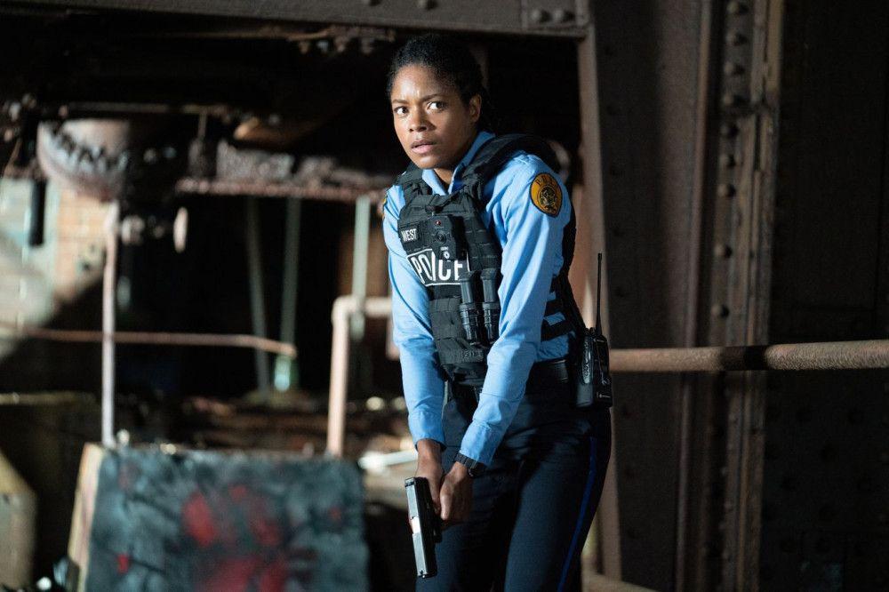 Eigentlich kämpft Alicia West (Naomie Harris) gegen das Verbrechen. Doch das findet sich nun in den eigenen Reihen wieder.