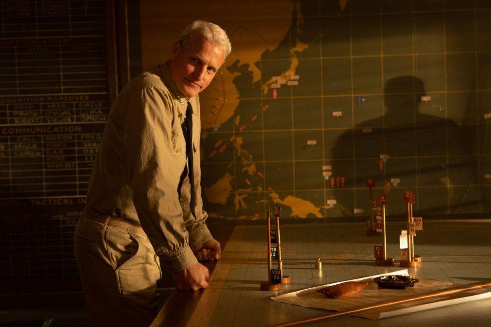 Admiral Chester Nimitz (Woody Harrelson) steht vor einer schwierigen Aufgabe: Nach der Schmach von Pearl Harbor soll er für die USA den Pazifikkrieg gewinnen.