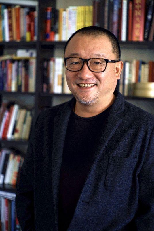 Wang Xiaoshuai, geboren 1966 in Shanghai, gilt als einer der wichtigsten Vertreter des modernen chinesischen Kinos.