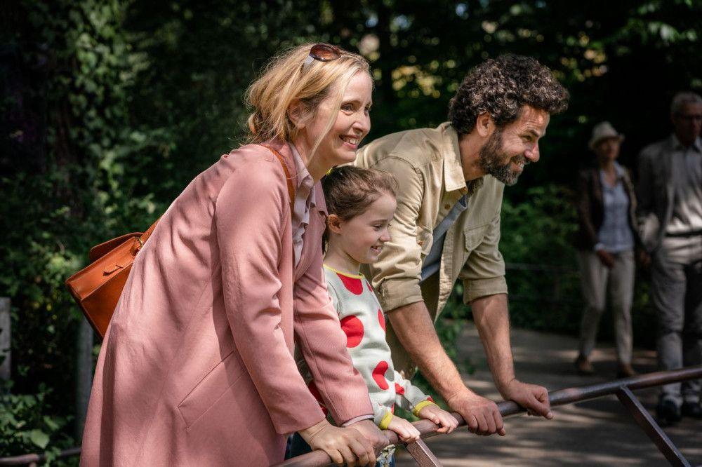 Bei einem gemeinsamen Ausflug mit ihrem neuen Freund Akil (Saleh Bakri) und ihrer Tochter Zoe (Sophia Ally) hat Isabelle (Julie Delpy, links) zum ersten Mal das Gefühl von Familie.