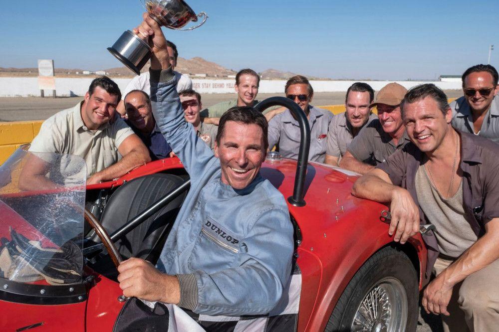 Ken Miles (Christian Bale) ist auf der Gewinnerstraße. Aber für die ganz großen Rennen empfiehlt er sich nicht, weil er kein bequemer Teamspieler ist.