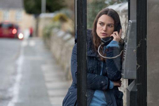 Katharine Gun (Keira Knightley) hat Geheimnisverrat begangen und fühlt sich nun beobachtet.