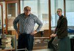 """Roger Alton (Conleth Hill, links) und Peter Beaumont (Matthew Goode) arbeiten für die Zeitung """"The Observer"""". Sie machen die NSA-Mail öffentlich."""