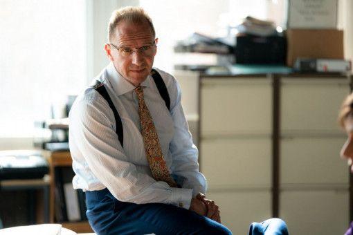 Menschenrechtsanwalt Ben Emmerson (Ralph Fiennes) fürchtet, dass er verlieren könnte.