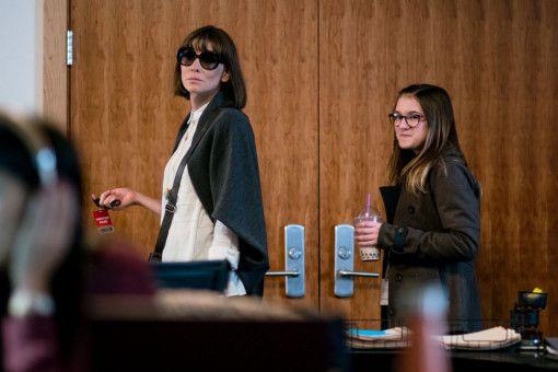 Bernadette (Cate Blanchett, links) und ihre Tochter Bee (Emma Nelson) halten auch in schwierigen Zeiten zusammen.
