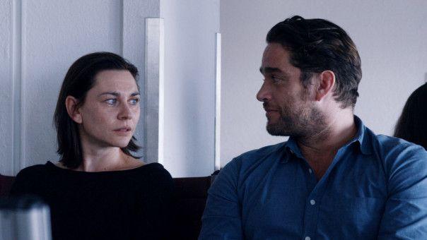 Für Paul (Ronald Zehrfeld) ist seine neue Freundin Astrid (Christiane Paul) vor allem ein Rätsel.