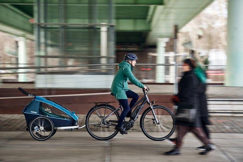 Geht leichter: den Nachwuchs transportieren.