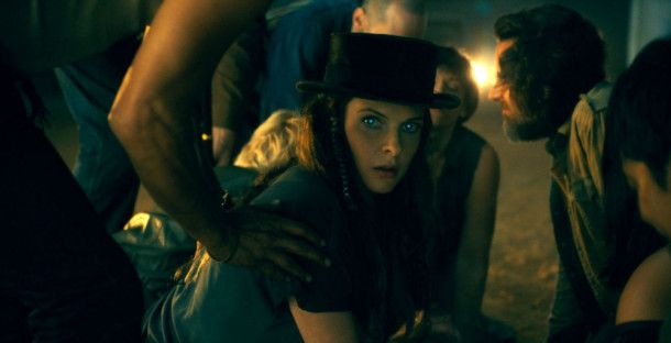 True-Knot-Anführerin Rose (Rebecca Ferguson) macht sich auf die Suche nach Abra.