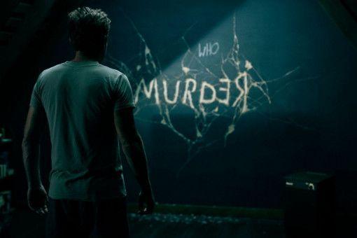 Auf einer Tafel in seiner Wohnung liest Dan Torrance (Ewan McGregor) eine Botschaft der kleinen Abra.
