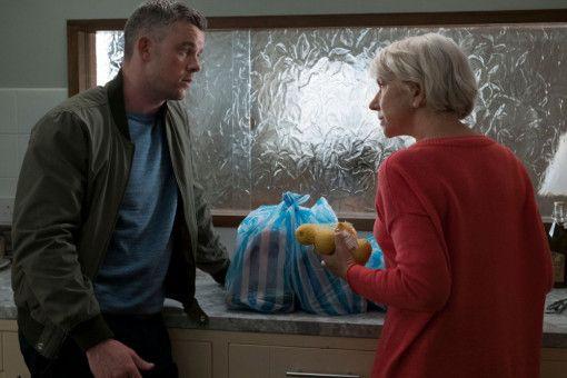 Stephen (Russell Tovey) beschwört seine Großmutter (Helen Mirren), nicht auf Roy hereinzufallen.
