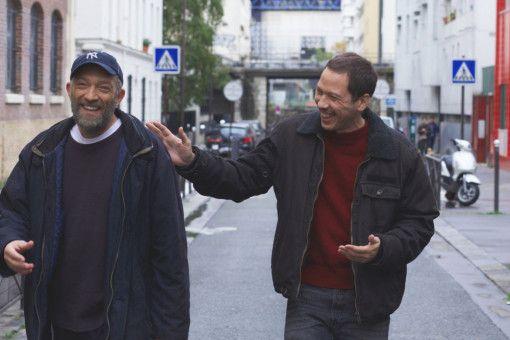 Bruno (Vincent Cassel, links) und Malik (Reda Kateb) gehen mit viel Optimismus an ihren Beruf.