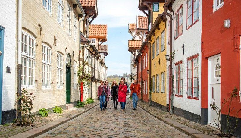 In Flensburg kann man die Stadt anhand der Geschichte des Rums erkunden.