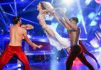 """14 Profi-Tänzer sind 2020 bei """"Let's Dance"""" dabei. Die Titelverteidigern fehlt aber. Wir stellen die Profi-Tänzer der neuen Stafffel vor."""
