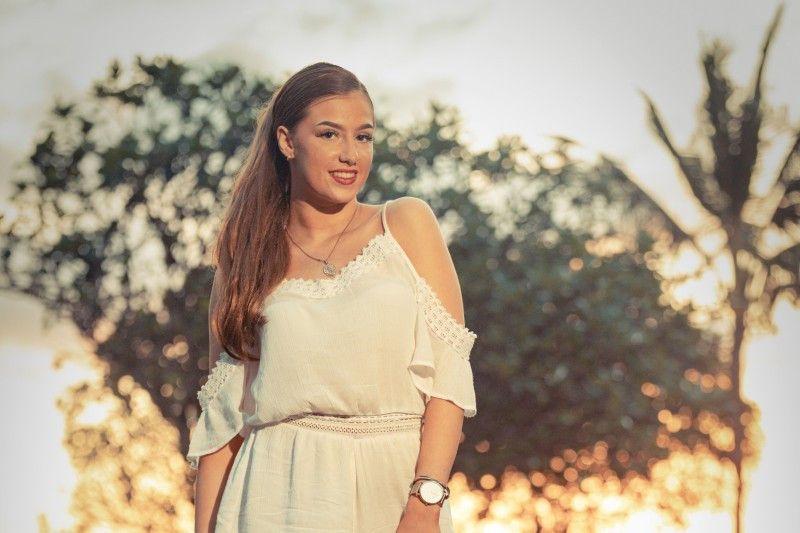 Coco (18) aus Berlin macht jedes Wochenende Party. Die Kosmetikerin macht beim Flirten auch vor vergebenen Jungs nicht halt.