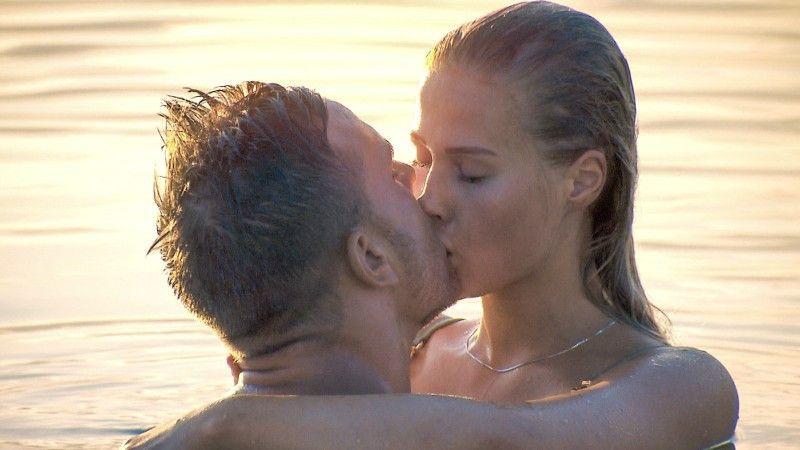 Beim küssen frauen Nach den