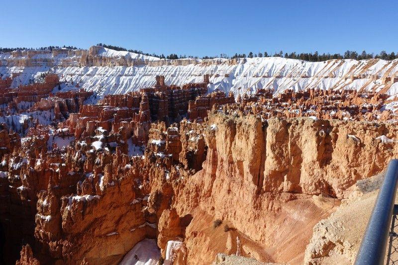 Menschenleer und mit Schnee noch faszinierender als im Sommer: Der Bryce Canyon zählt zu den spektakulärsten Naturwundern der USA.