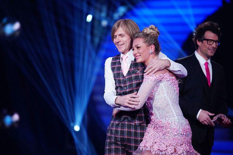 Profi-Tänzerin Regina Luca freute sich sehr, dass sie mit Musiker John Kelly tanzen durfte. Sie vergoss sogar ein paar Freudentränen. <b>Freiwillig raus nach Folge 3.</b>